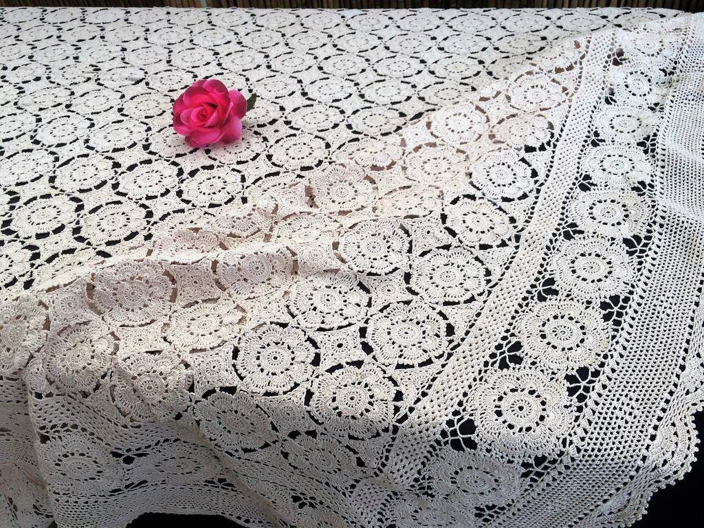 Vintage Cotton Round Tablecloth Crochet Floral Lace Small Table Cover Doily 60CM