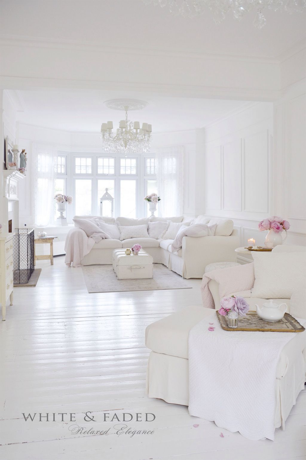 Simply White Living Room Ideas: Beautiful White Shabby Chic Living Room Decoration Ideas