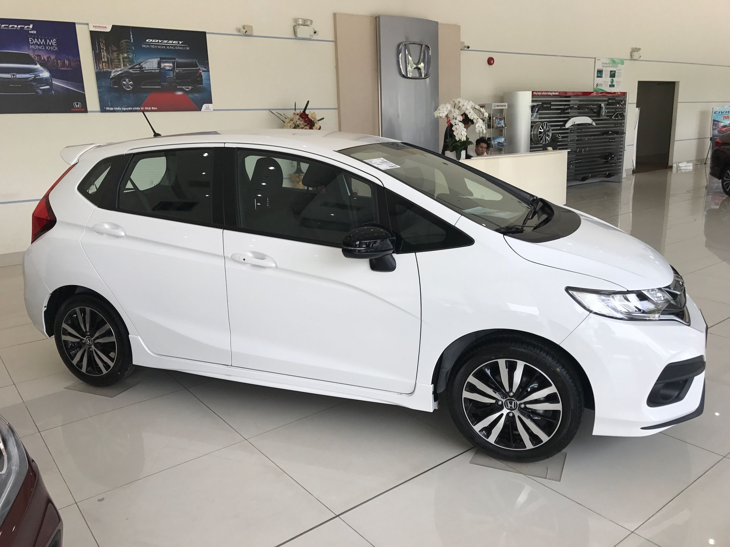 cheapest fit tech subcompact honda the review not best but for extreme