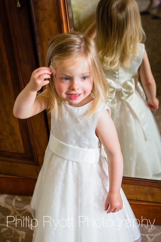 Photo by Philip Ryott of July 07 on Worldwide Wedding Photographers Community