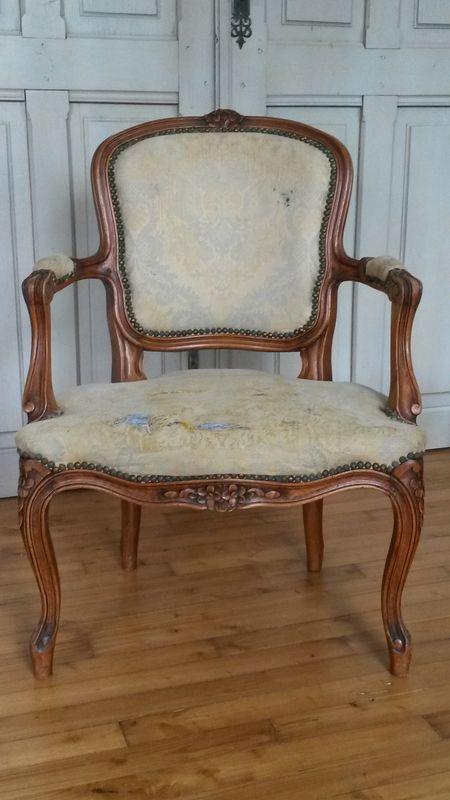 retapisser un fauteuil cabriolet tapissier bohars c t si ges 3 sillones fauteuil. Black Bedroom Furniture Sets. Home Design Ideas