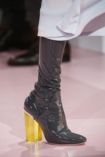 D'Oliveia Fashion Blog | doliveirafashionblog.com | I am not sure if I like these large heals! Do you like?