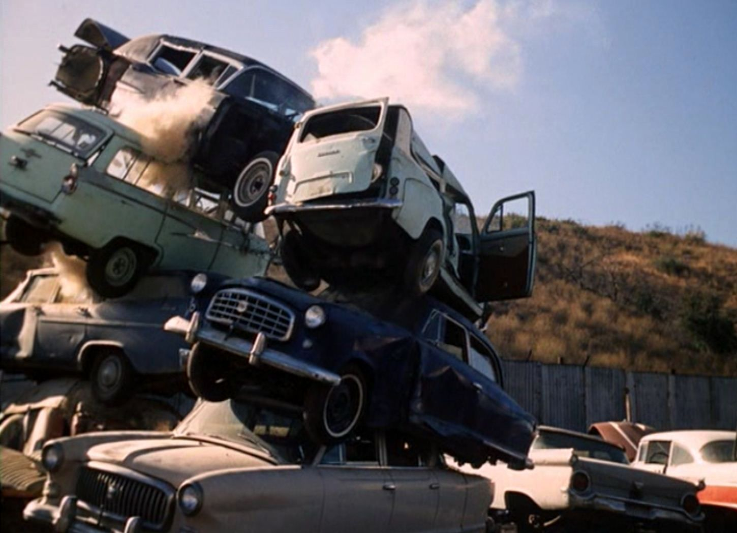 old car salvage yards | old 1960\'s movies frequently seemed to use ...