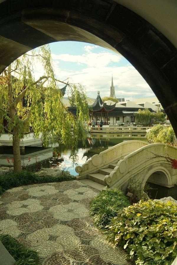 Footbridge in Chinese Garden, New Zealand bridges Pinterest - chinesischer garten brucke