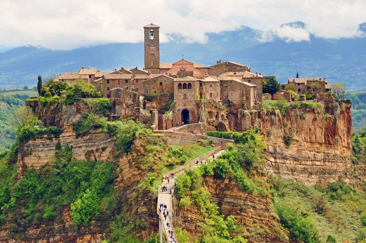 Civita\' di Bagnoreggio | Invisible Cities | Pinterest | Invisible ...