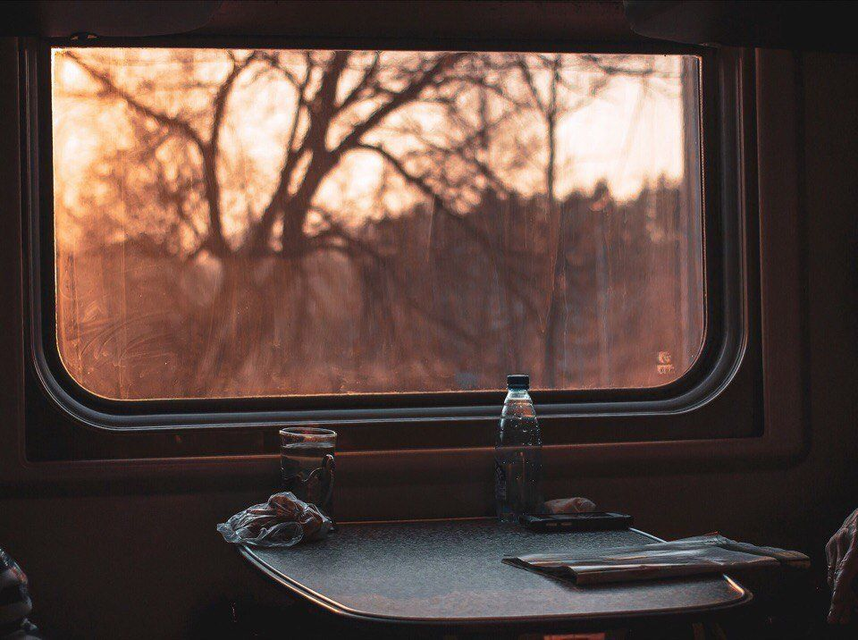 Картинка окно вагона