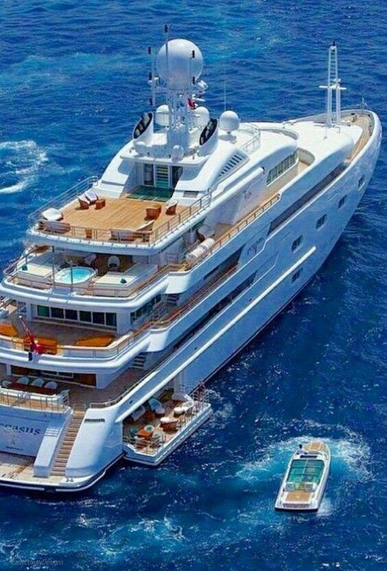 pingl par daud imbang sur yachts pinterest bateaux bateaux de luxe et barque. Black Bedroom Furniture Sets. Home Design Ideas