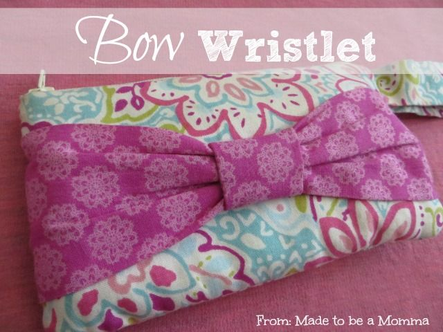 Bow Wristlet - Made To Be A Momma