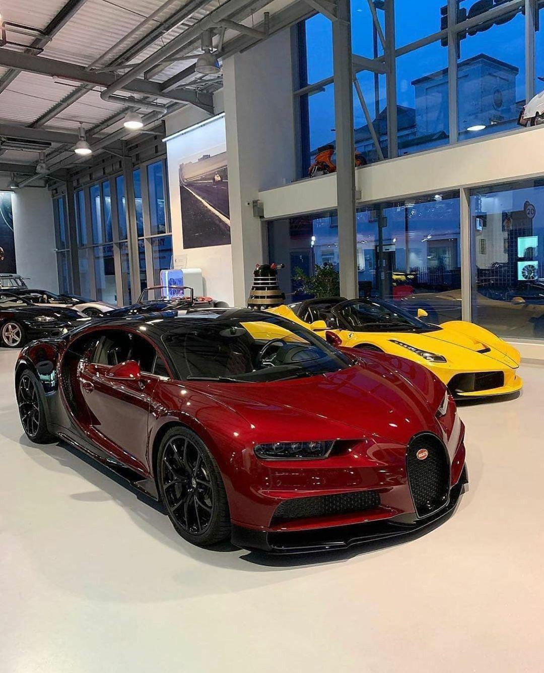 Bugatti Chiron × La Ferrari.�