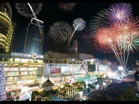Bangkok New Year Eve Celebration Ais Countdown Fireworks Central World Plaza Bangkok Thailand Bangkok Thailand Resort