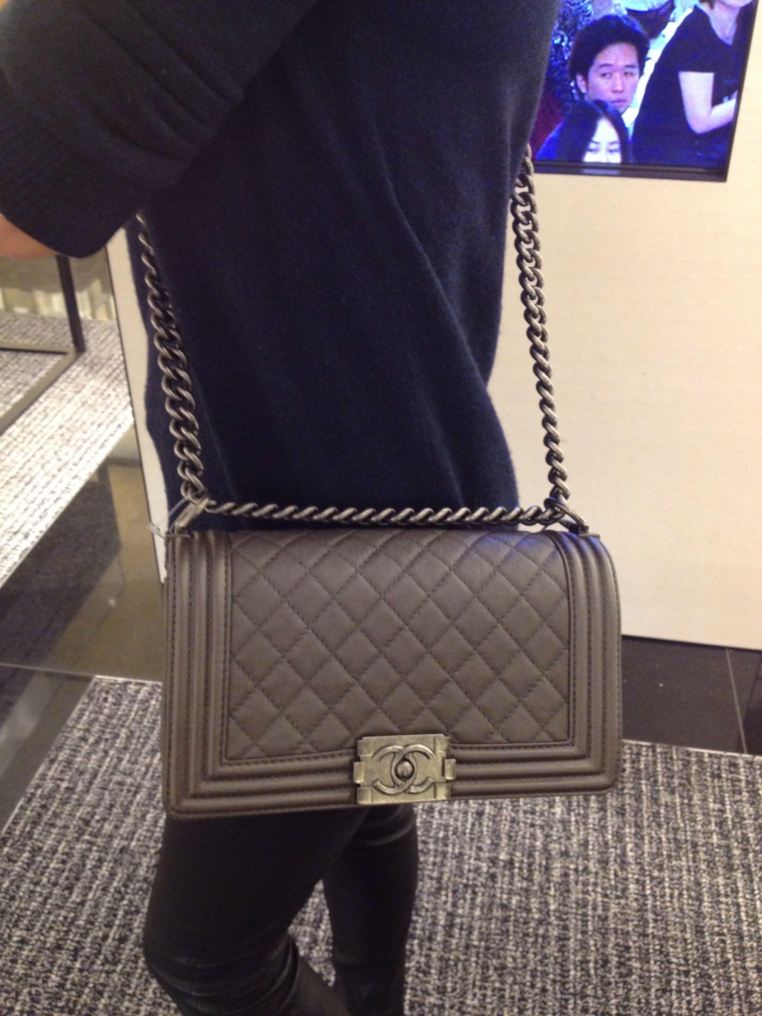afc5855e597e9b Pin by Ashley Cooper on Chanel Boy Handbags in 2019 | Chanel boy bag ...