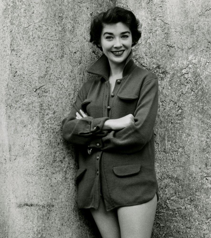 Virginia Leith (15) photographs.