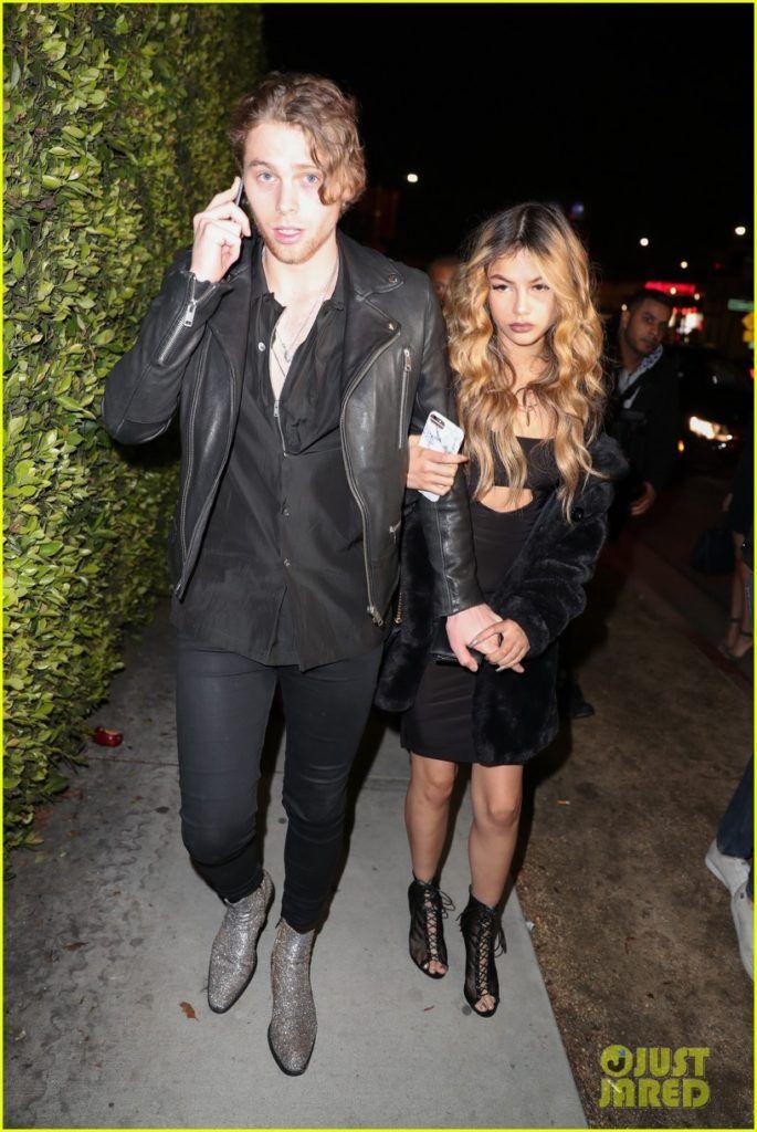 arzaylea en Luke dating Dating Chanel flessen