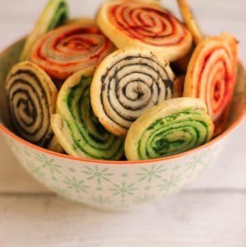Feuilletés escargots colorés pour l'apéritif - Elle Mijote Quelque Chose
