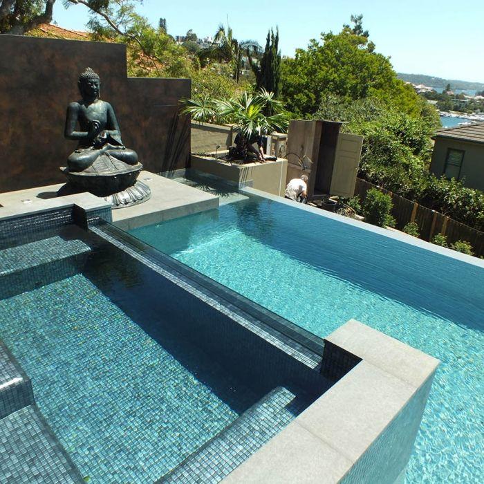 Carrelage piscine en emaux de verre ezarri inox for Terrasse piscine carrelage