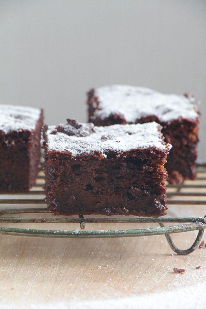 Gluten free double chocolate zucchini cake paleo vegan