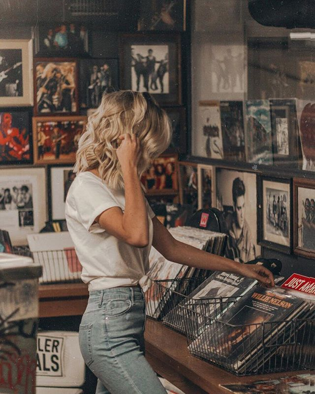 Exploring vintage record shops #PSgirls #Pacsun Check more at https://diybest-easydecortions...