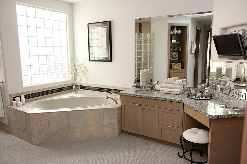 1000 images about Houseplans on Pinterest House plans. Bathroom Settings Images