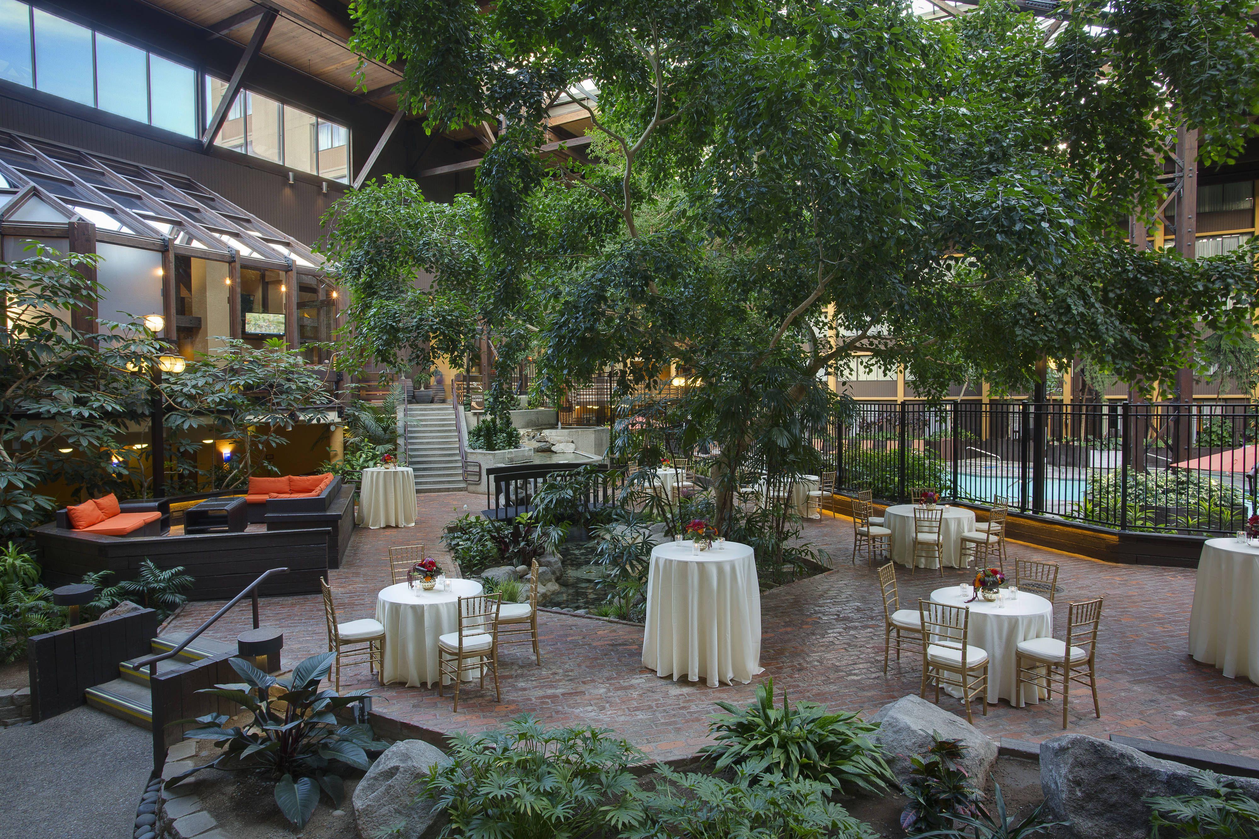 Seattle Airport Marriott Atrium Reception Setup Hotel
