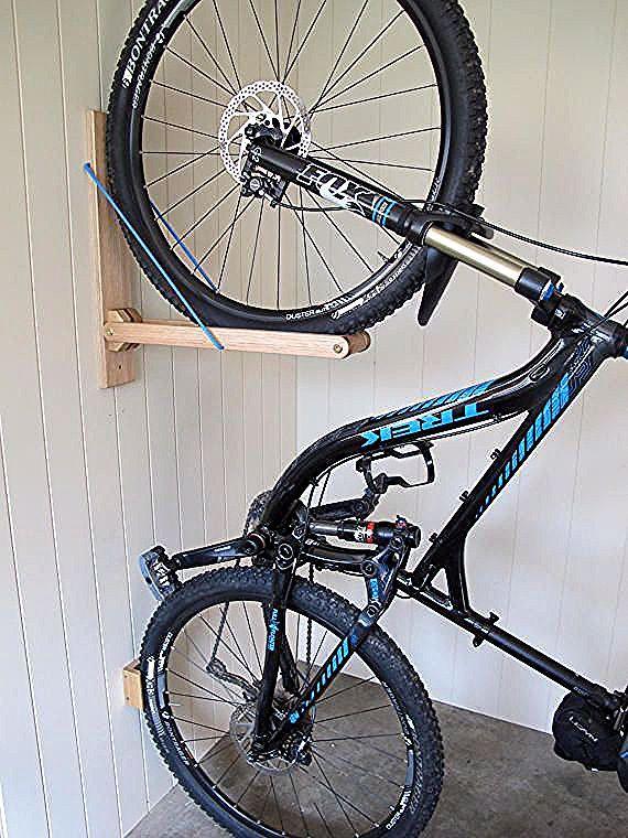 Ein Wunderschoner Massgeschneiderter Fahrradstander Entworfen Und