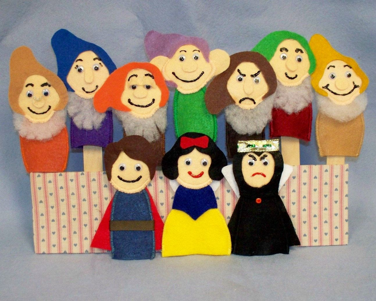 Snow white apron etsy - Snow White And The Seven Dwarfs Felt Finger Puppets