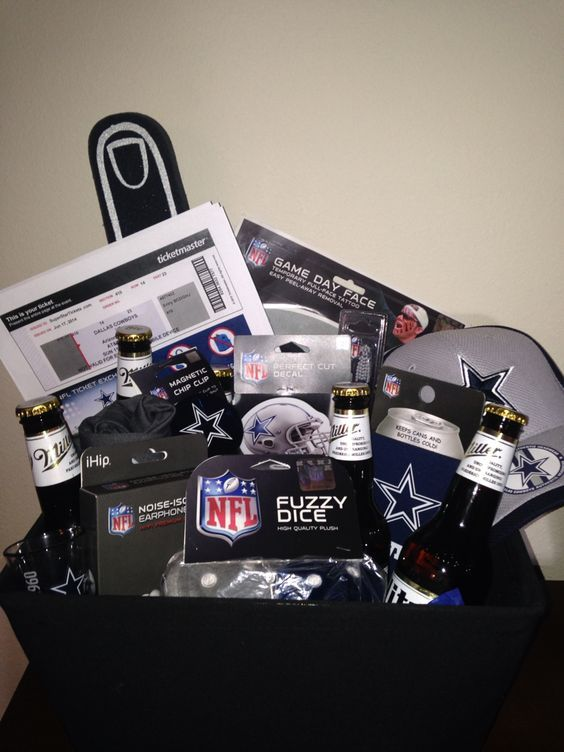 Dallas Cowboys Festive Gift Basket #boyfriendgiftbasket