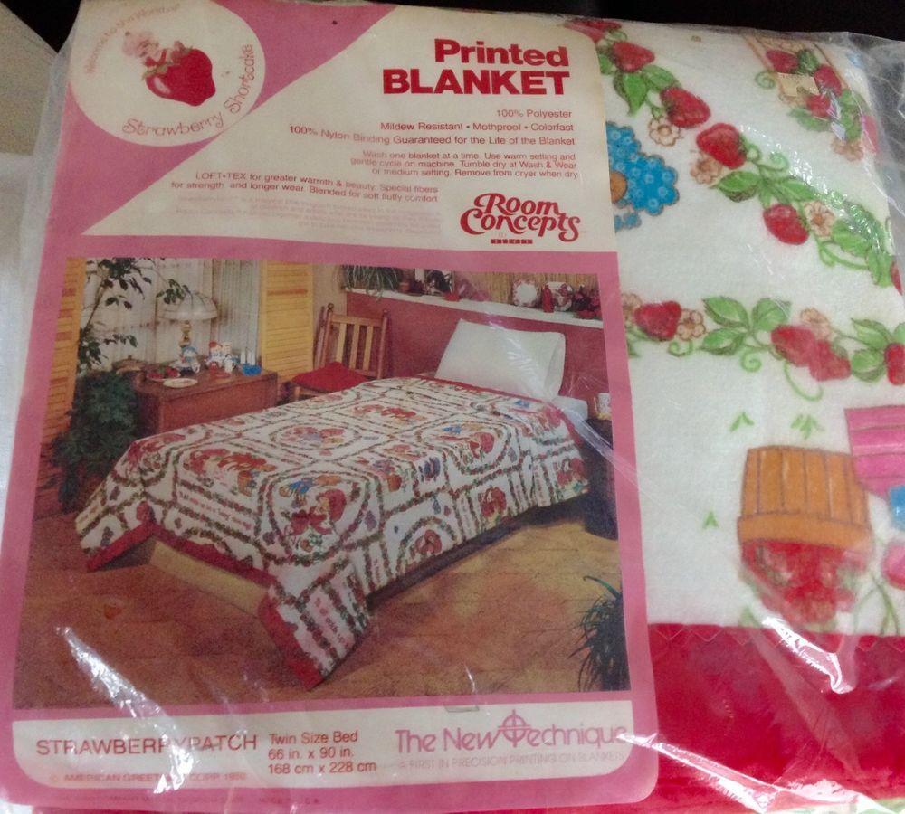 Vintage 1980 Strawberry Shortcake Twin Blanket American Greetings
