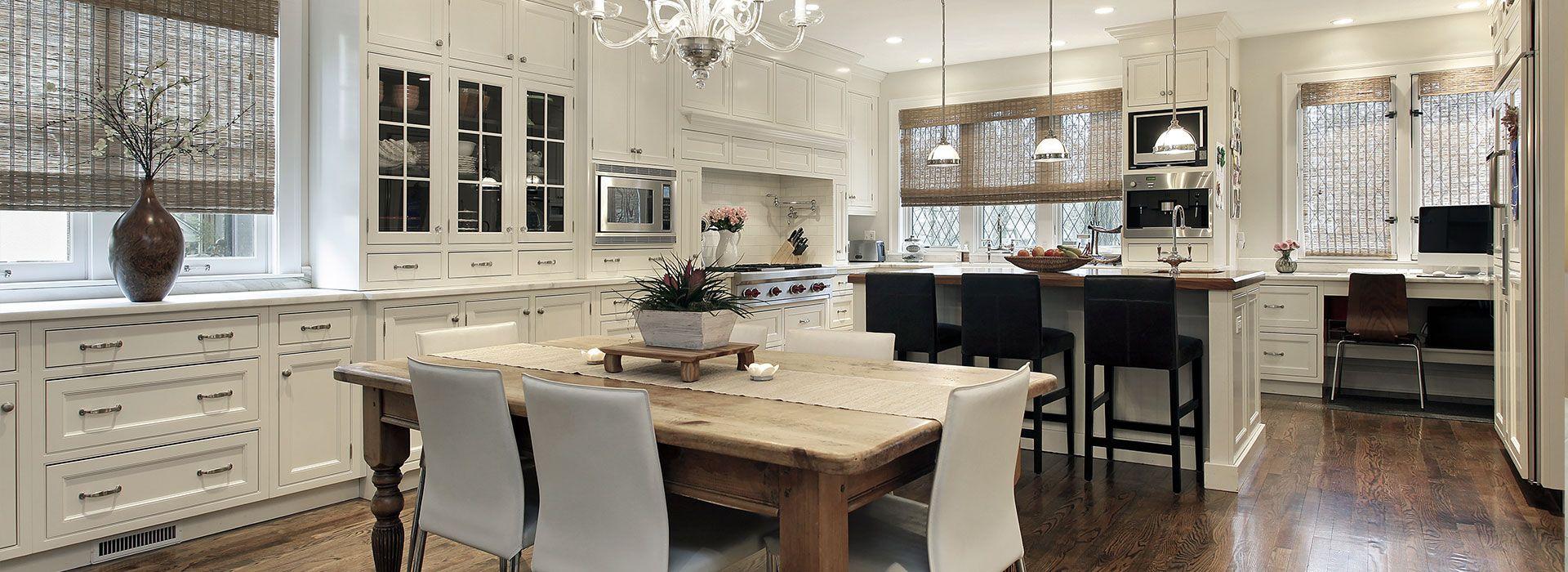Light Bright Kitchen Light Island With Dark Top Luxury Kitchen Design Kitchen Remodel Small Home Kitchens
