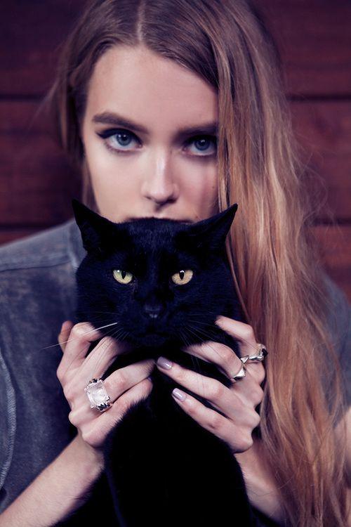 Daydream Lily We Heart It Cheveux Dans Le Vent Chat Noir