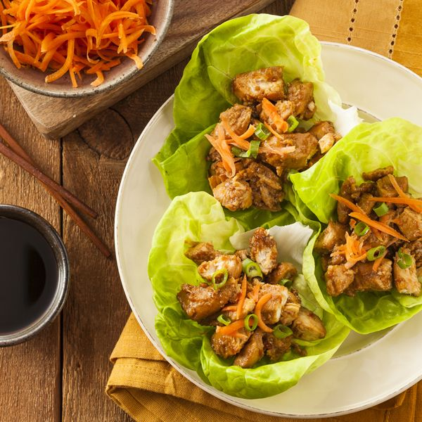 Sick of the same ol' boring chicken dish? Try these Chinese Lettuce Wraps