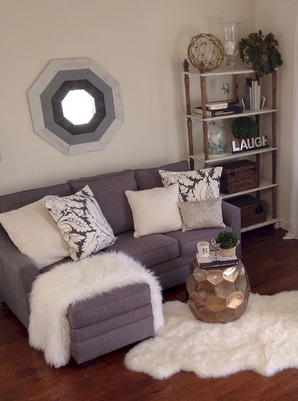 Awesome 85 Couple Apartment Decorating Ideas On A Budget Apartment Couple Dec Small Apartment Decorating Small Apartment Living Room Farm House Living Room