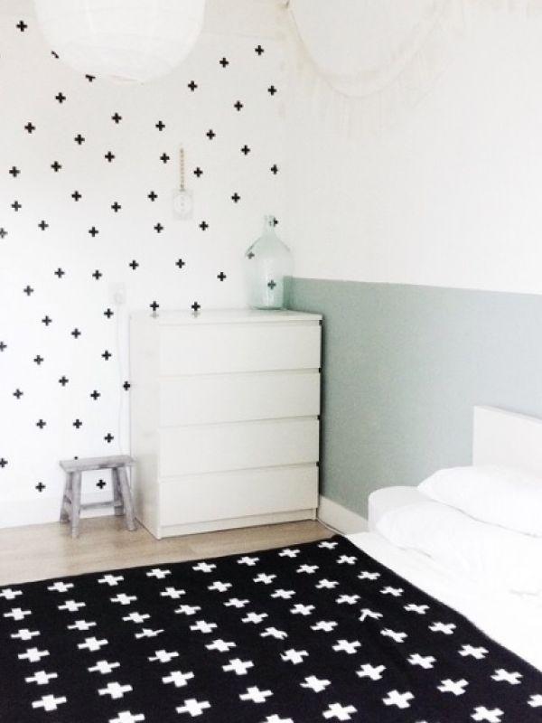 zwart-wit-hout - Interieur - ShowHome.nl | Babykamer | Pinterest