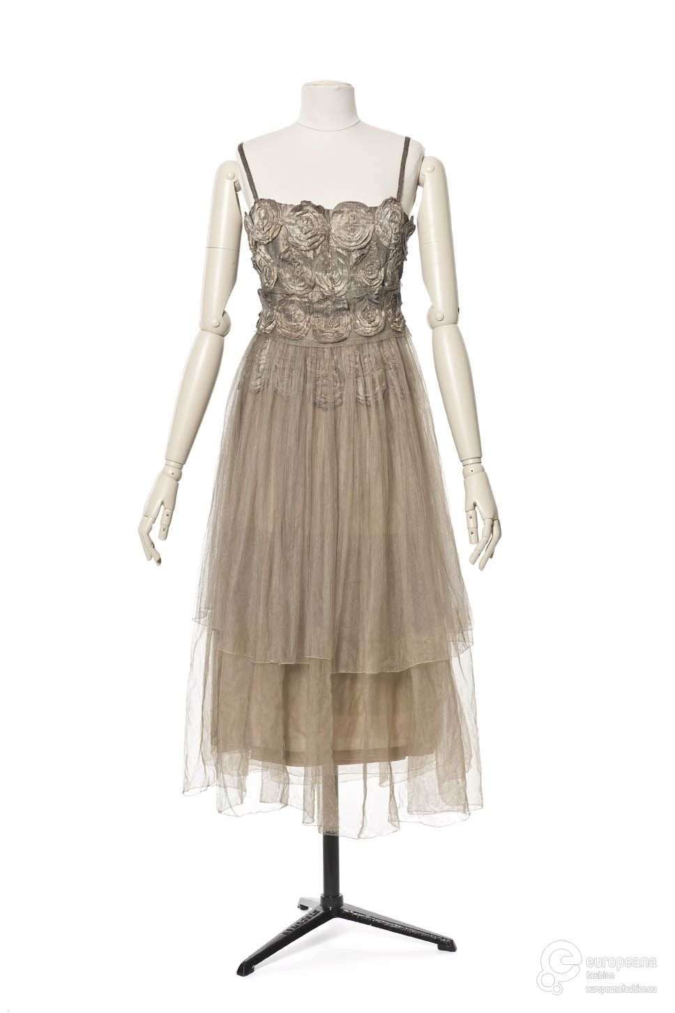 Vionnet evening dress from les arts décoratifs via europeana
