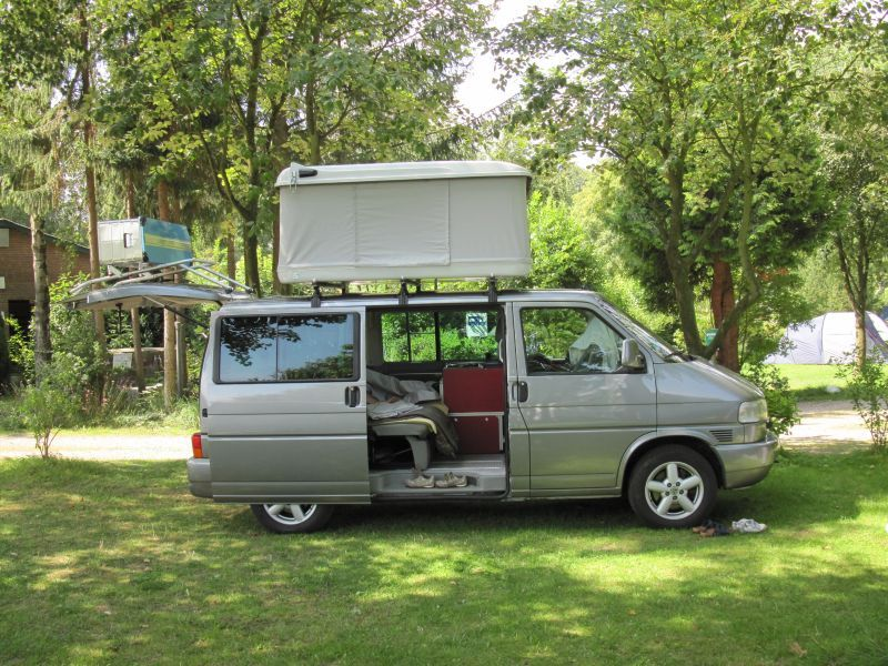 A great combination of a Volkswagen T4/ Eurovan with a Autohome roof tent. & A great combination of a Volkswagen T4/ Eurovan with a Autohome ... memphite.com