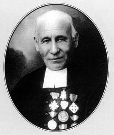 Pierre-Louis Vescoz (Verrayes, 1840 - Aosta, 1925) è stato un prete, giornalista e naturalista italiano, autore di numerosi articoli ed opere sulla geografia, la botanica, la meteorologia, l'archeologia e l'agricoltura, con particolari riferimenti alla Valle d'Aosta.