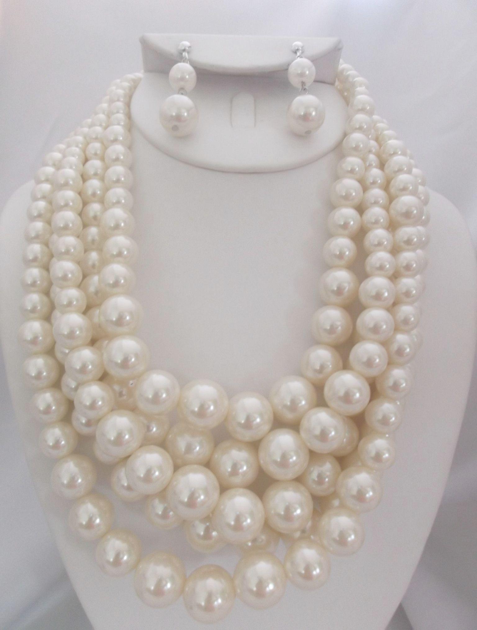 Brilliant ueue pendant and earring set gold grt great earring set