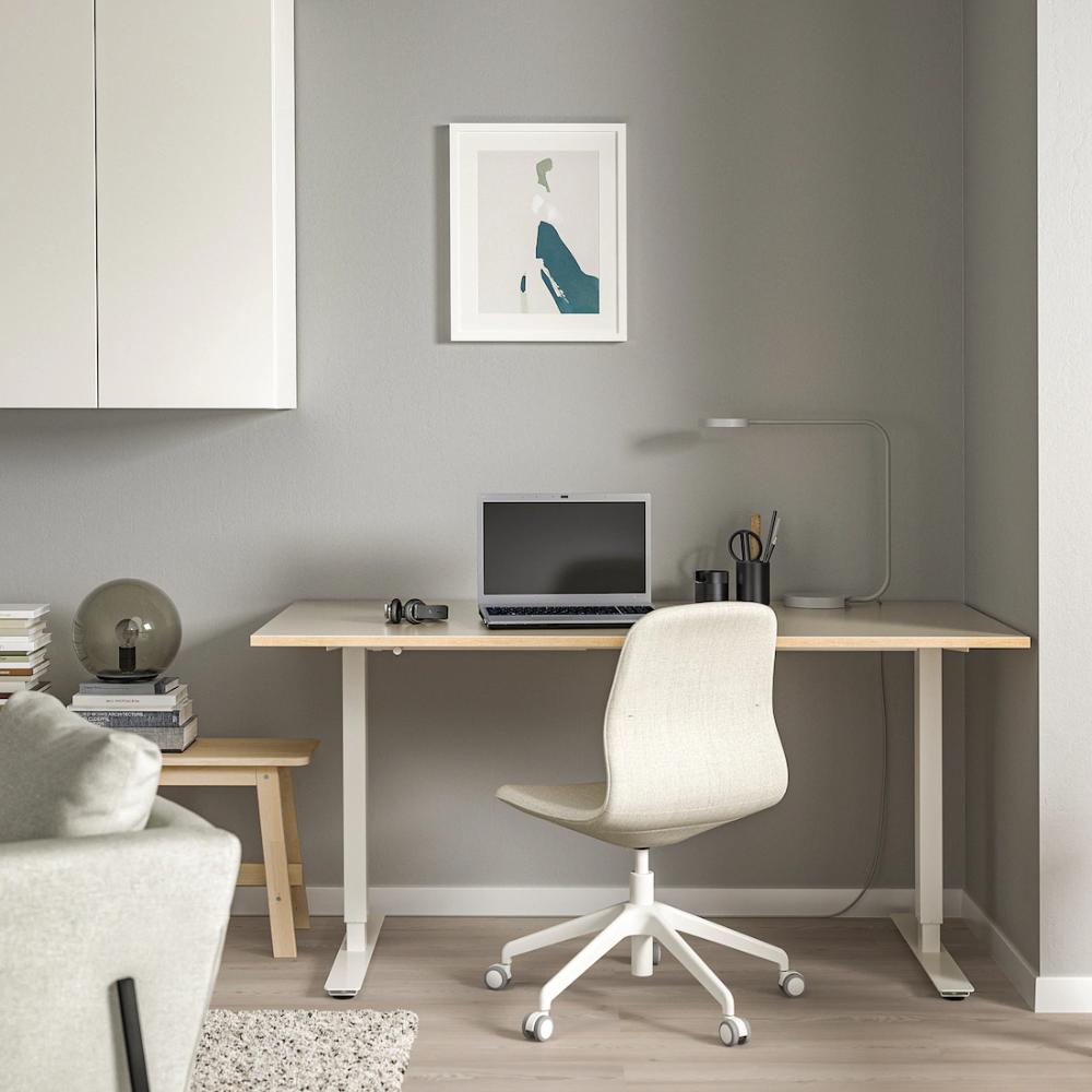 Skarsta Desk Sit Stand Beige White 63x31 1 2 Ikea In 2020 Ikea Standing Desk Sit Stand Desk Beige Desks