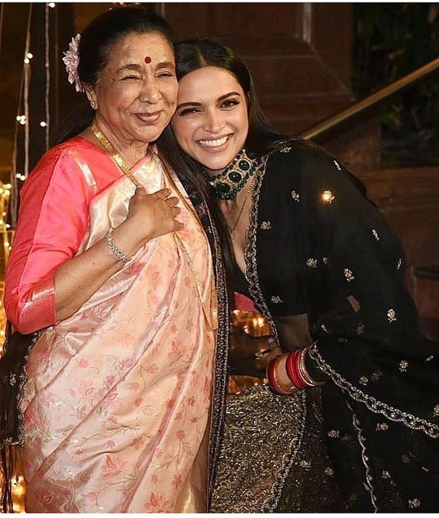 When Deepika Padukone And Ranveer Singh Met The Legendary Asha Bhosle It Was A Sight To Behold Hungryboo Deepika Padukone Bollywood Celebrities Bollywood Fashion
