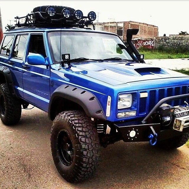 The Jeep We Purchased: This Is Why I Want A Jeep Cherokee XJ. Small Comfy With