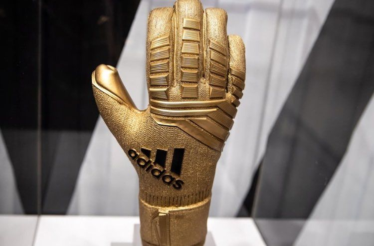 Who Is Going To Be The Golden Glove Winner At The World Cup Promo C World Cup Goalkeeper Gloves Gloves