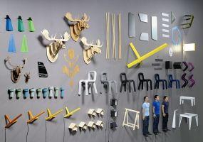 Ejemplo de foto de grupo del estudio BIG-GAME, junto a sus productos. #disenobasico