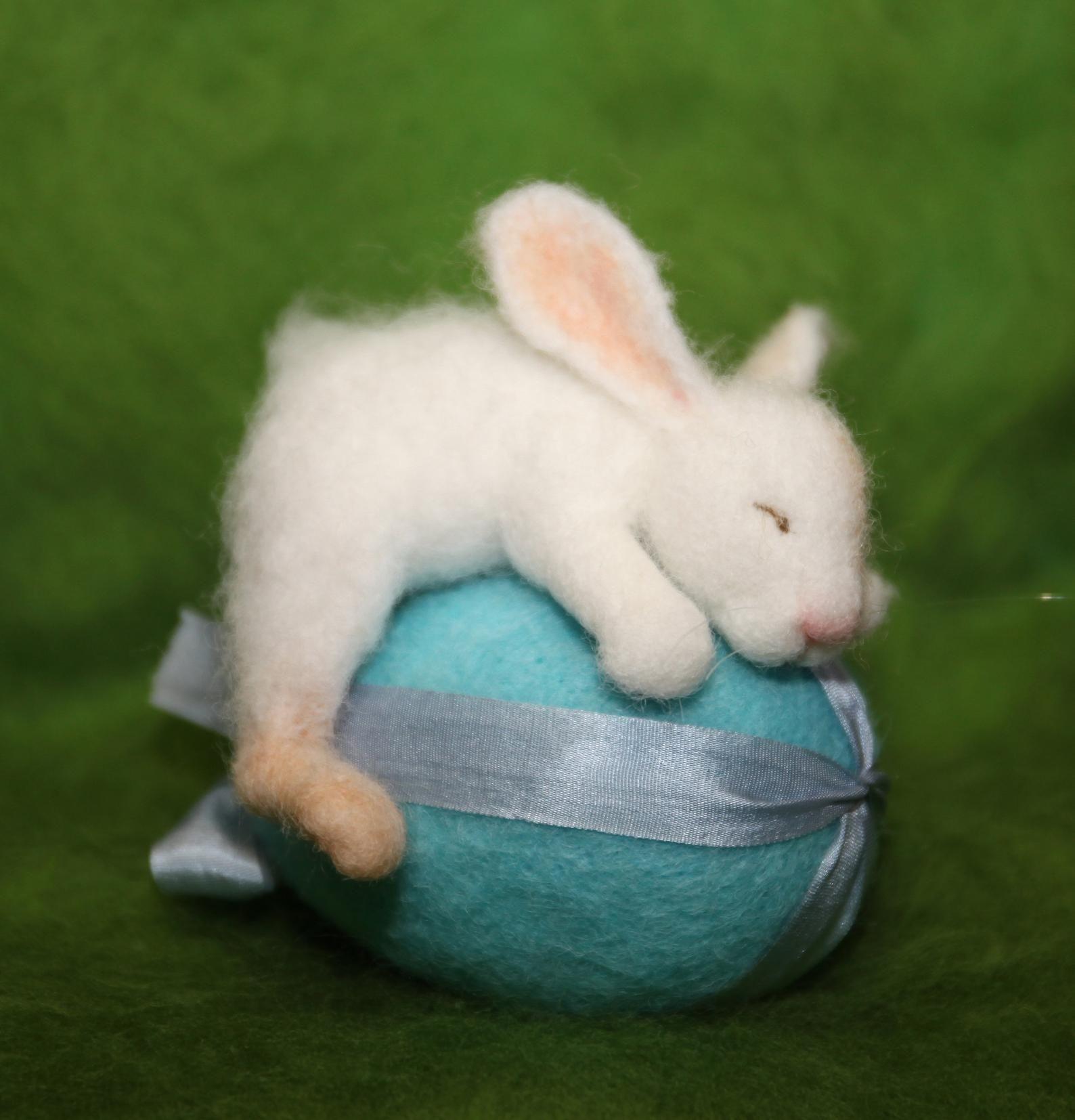 OOAK/ Needle Felted/ Miniature/ rabbit / hare/ bunny/ Easter Egg/ handmade gift #needlefeltedbunny