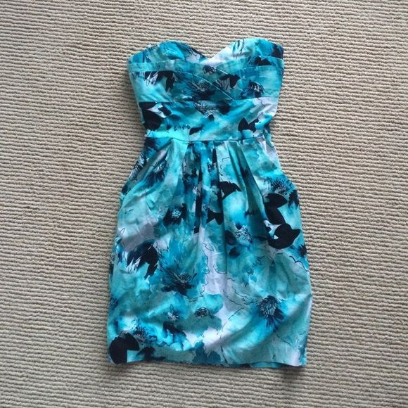 Floral strapless dress Beautiful watercolor floral print dress. Great for weddings, bridal showers, baby showers or out to brunch with the girlfriends. Side pockets, back zip closure. Dresses Strapless