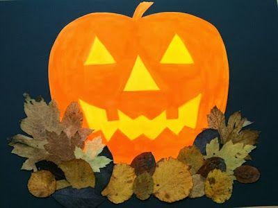 Halloween Basteln Kurbis.Halloween Kurbis Im Laubhaufen Halloween Kunst Herbst Kunst Bastel Herbst