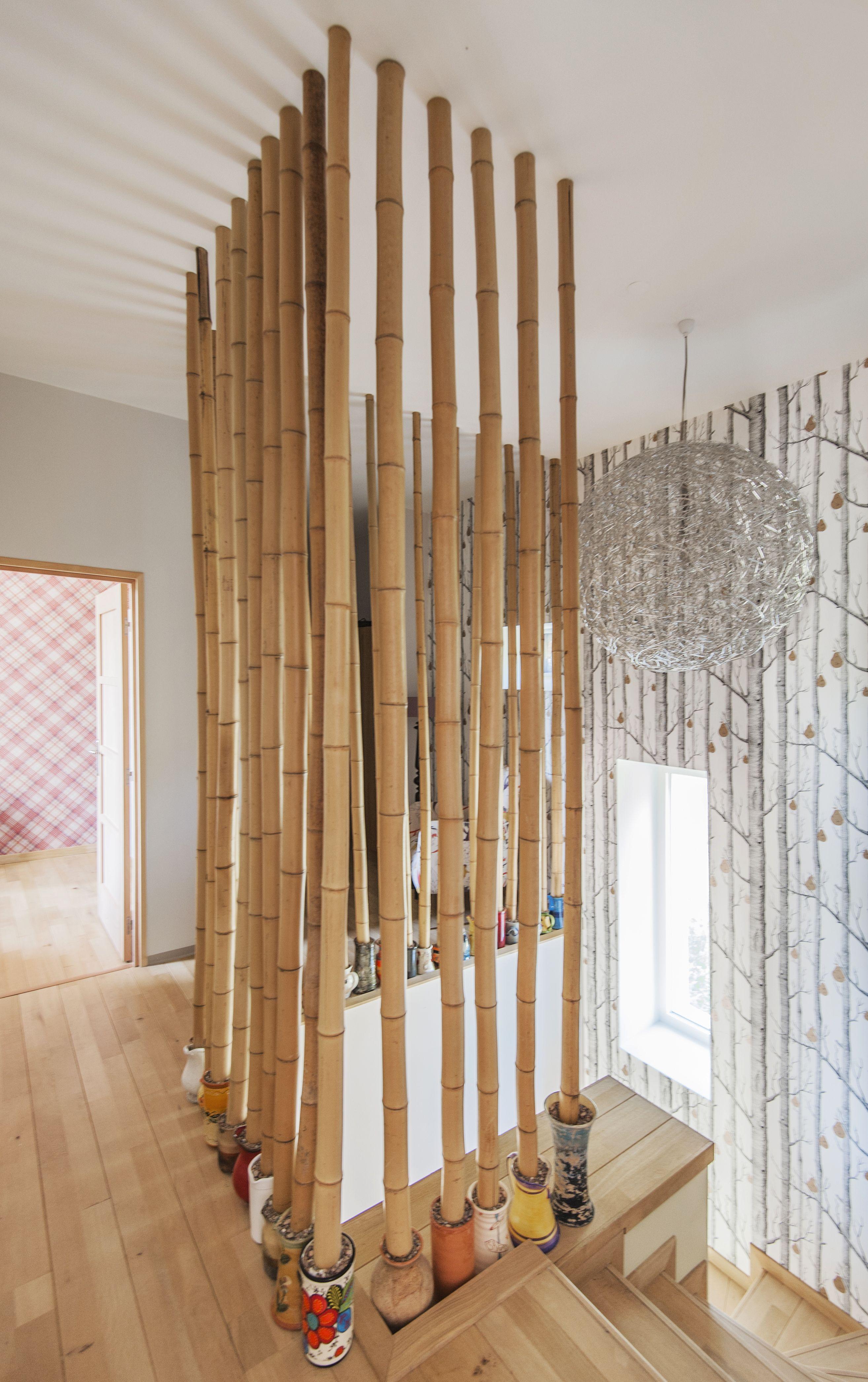des bambous originaux en guise d 39 entr e d 39 escalier dans un domaine viticole agrandi et r nov. Black Bedroom Furniture Sets. Home Design Ideas