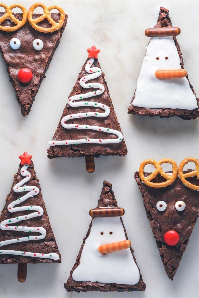 Brownies for Christmas. Bag these delicious brownies and decorate them to make them brown