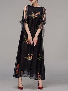 Kaufen Sie Maxikleider - Schwarzes elegantes Maxikleid mit Rundhalsausschnitt und Blumenmuster online. Entdecken Sie u #blackmaxidress
