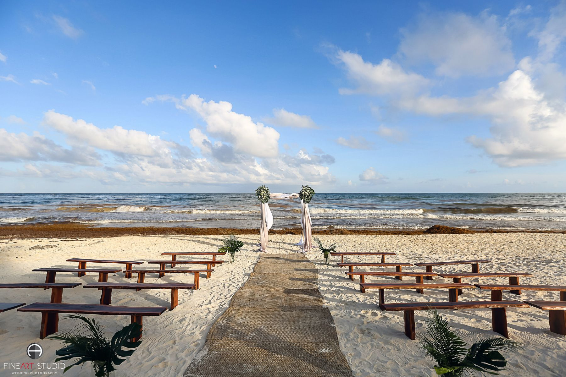 The wedding venue on the beach - Lucy & Justin's ...