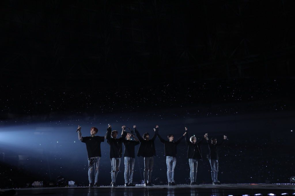 180328 Youtube Youtube Attention Btsarmy Thank You For Your Amazing Support Of Btsxyoutubered Stay Tuned For The Premiere Of Burn Konser Gambar Bts