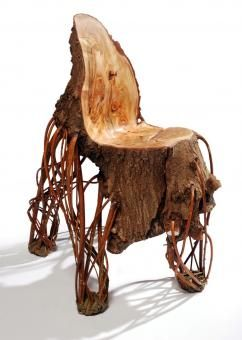This chair is made of a (inverted) willow tree. The legs have been obtained by twisting and splinting its branches and letting it dry into the final shape.  The seat and back were naturally kept in line with the bole's silhouette. This project had been put in practice jointly with the artist Bauke Fokkema.